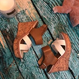 Mossimo white and Brown criscross cork wedges 6.5